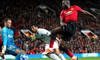 Trực tiếp Valencia vs Manchester United 03h00 ngày 13/12