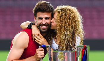 Shakira cô vợ xinh đẹp, tài giỏi của Pique, nữ hoàng đình đám Showbiz!