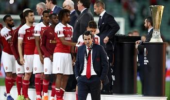 Đừng chửi HLV và cầu thủ Arsenal nữa, đây mới là người đáng chửi này!