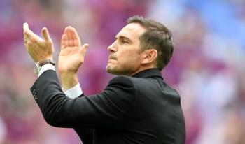 Lampard khẳng định chưa hề nói chuyện với Chelsea, khẳng định gắn bó với Derby County